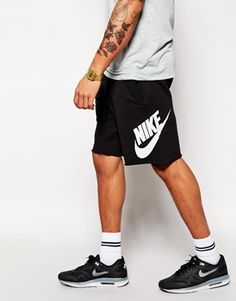Aumentar Pantalones cortos de chándal con logo grande AW77 de Nike