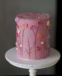 that cake no one wants to cut 🔪 diesen Kuchen will niemand schneiden 🔪 habe kein Problem damit Gorgeous Cakes, Pretty Cakes, Cute Cakes, Yummy Cakes, Amazing Cakes, Buttercream Flower Cake, Cute Desserts, Dessert Decoration, Decorations