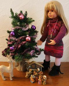 TUTO ROBE A COL ROULE ET MANCHES LONGUES POUR POUPEE GOTZ - http://paolareinacrea.canalblog.com/archives/2013/12/18/28677113.html