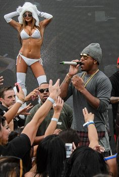 Jeremih hosts at Marquee Dayclub Dome in Las Vegas on Sun Jan 18, 2015 (Photo credit: Al Powers/Powers Imagery).