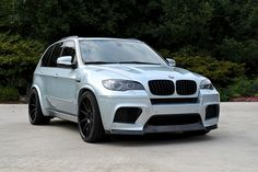 I love the color of this 2011 BMW thats finished in Silverstone Metallic. A popular color on BMW cars,. Bmw X5 E70, Bmw Accessories, Used Bmw, Best Mods, Bmw Parts, Nike Free Shoes, Car Wallpapers, Car Insurance, Cars For Sale