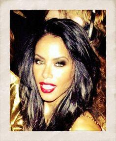 Aaliyah ... Her makeup is SO FIERCE