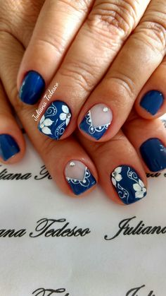 69 Melhores Fotos do Instagram com Esmalte Azul Escuro Blue Nail Designs, Diy Nail Designs, Royal Blue Nails, Flower Nail Art, Easy Nail Art, Beautiful Nail Art, Nail Stamping, Cookies Et Biscuits, Spring Nails