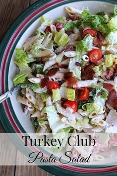 Turkey Club Pasta Salad! Like a turkey club sandwich in a bowl. A delicious taste of summer. Great option for a dish to pass. #Barillalovesmoms @BarillaUS 317 calories 7 weight watchers points plus