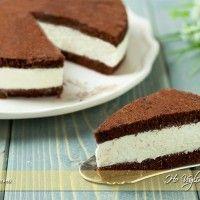 Torta fetta al latte Milk slice cake: Sweet Recipes, Cake Recipes, Dessert Recipes, Cooking Cake, Cooking Recipes, Cocoa Cake, Delicious Desserts, Yummy Food, Cupcakes