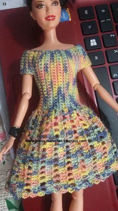 Aqui é o meu espaço dedicado a bonecas com roupinhas e vestidos de crochê.