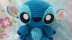 An amigurumi version of baby Stitch. An amigurumi version of baby Stitch. Crochet Disney, Crochet Kawaii, Cute Crochet, Crochet Crafts, Yarn Crafts, Hand Crochet, Crochet Amigurumi, Amigurumi Doll, Amigurumi Patterns