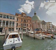 "Venise, Grand Canal. Le Palazzo Adoldo et l'église San Simeone Piccolo / 45°26'26.36""N 12°19'21.27""E (Google Earth Street View)"