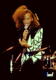 Beautiful young Whitney Houston! #whitneyhouston #TheVoice