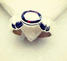 #jdm #vodka #glass #green #victoriassecret #anniversarygift #DoubleRing #ring #silver #gemstone #garnet #handmade #gemstone #jewellery #riyogems #igsneakercommunity #madhatter #silverjewelry