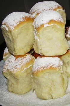 Buchty, one of the most enjoyable comfort food I remember. Slovak Recipes, Czech Recipes, Food 52, Food Inspiration, Sweet Recipes, Sweet Tooth, Food Porn, Dessert Recipes, Cooking Recipes