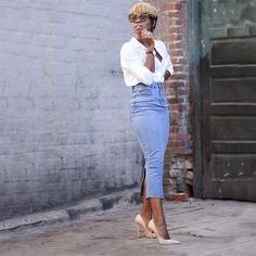 Fashion inspiration : The denim skirt. www.fashiondra.blogspot.com