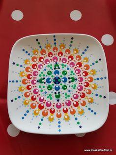 Lekker dagje vrij Acrylic Painting Inspiration, Dot Art Painting, Pottery Painting, Ceramic Painting, Candle Box, Mandala Dots, Pottery Studio, Zentangle Patterns, Painted Rocks