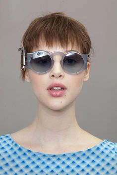 cacharel-beauty-spring-summer-2013-pfw25.jpg 620×930 pixels