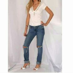 Hollister distressed jeans Great condition re posh they didn't fit or i would totally keep them Hollister Pants Straight Leg