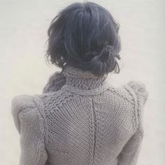 ça c'est pour les killeuses du tricot - Knitted by Antje Pugnat. Looks Chic, Looks Style, Style Me, Knit Fashion, Look Fashion, Fashion Design, Knooking, Fashion Mode, Mode Outfits