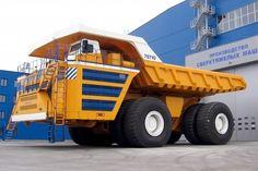 Der russische OJSC Belaz 75710 ist der größte und schwerste Lkw der Welt. Straßen sind für den 360-Tonner allerdings tabu. Der Muldenkipper gehört zu den Off-Highway-Trucks. Wir zeigen das Monster und seine Gefährten.