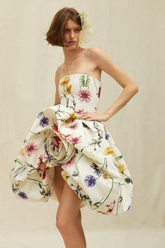 Fashion Week, Fashion 2020, High Fashion, Fashion Show, Fashion Design, Petite Fashion, Dior Haute Couture, Couture Fashion, Vogue Paris