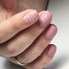 Opting for bright colours or intricate nail art isn't a must anymore. This year, nude nail designs are becoming a trend. Here are some nude nail designs. Flower Nail Designs, Best Nail Art Designs, Nail Designs Spring, Simple Nail Designs, Spring Design, Neutral Nail Designs, Neutral Nail Art, Nagellack Design, Nagellack Trends