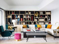 Volgend   Tumblr Overstuffed Chairs, White Carpet, Large Sofa, White Rooms, White Furniture, Blue Walls, Other Rooms, Elle Decor, End Tables