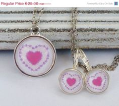 ON SALE Romantic Jewelry Set with Pink Heart by Schmucktruhe, €17.50