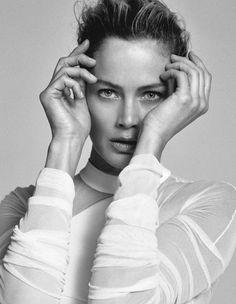 Elle Italy Editorial April 2015 - Carolyn Murphy by Matt Jones
