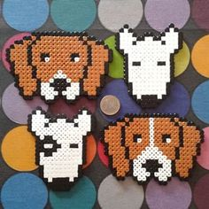 Instagram photo by La Eire Gata (Irene Garcia) (@laeiregata) 13/01/2015 HamAnimals! Beagle Bicolor/Bicolor Raya Bull Terrier Parche/Blanco www.mascotart.com Fuse Bead Patterns, Perler Patterns, Beading Patterns, Cross Stitch Patterns, Hama Beads, Perler Bead Art, Pixel Art, Bead Crafts, Diy And Crafts