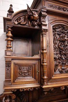renaissance style joker cabinet in walnut - Cabinets - Houtroos Walnut Cabinets, Renaissance Fashion, Mantels, Joinery, Antique Furniture, Sideboard, Furniture Design, Lion Sculpture, Carving