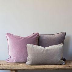 ಌ✿༻❤ᘻคนⱴҽ❤༺✿ಌ gray and mauve velvet cushions Purple Cushions, Mauve Bedding, Home Bedroom, Room Redo, Mauve Bedroom, Mauve Cushions, Living Room Grey, Mauve Living Room, Velvet Cushions