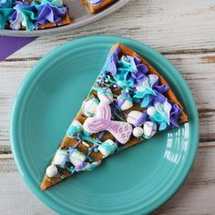Mermaid Cookie Pizza Mermaid cookie dessert pizza - a delicious way to celebrate a mermaid party. Looking for a dessert for a magical party? This cookie dessert pizza is perfect for mermaid lovers. Mermaid Party Food, Mermaid Theme Birthday, Mermaid Parties, Unicorn Birthday, 4th Birthday, Birthday Parties, Cookie Pizza, Cookie Desserts, Dessert Recipes