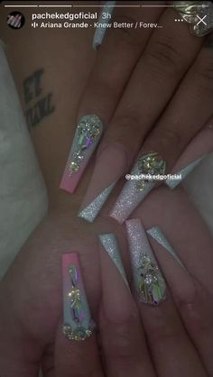 Purple Ombre Nails, Pink Gel Nails, Bling Acrylic Nails, Gold Glitter Nails, Acrylic Nails Coffin Short, Glam Nails, Best Acrylic Nails, Rhinestone Nails, Bling Nails