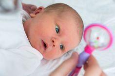Muitas mães me escrevem mensagens pedindo dicas de como estimular o bebê. E algo que eu aprendi, nesses cinco anos de maternidade, é que uma das formas mai