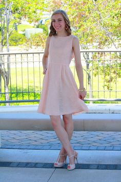 twIN STYLE: Neutral bridesmaid dress