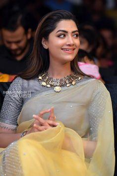 ❝Y.IPDeer™❞  | Saree Jacket Designs, Silk Saree Blouse Designs, Saree Blouse Patterns, Saree Gown, Chiffon Saree, Organza Saree, Simple Sarees, Stylish Sarees, Elegant Saree