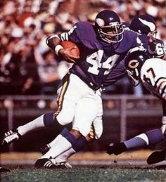 Image Detail for - Chuck Foreman, Football, Minnesota Vikings - - SI Vault Minnesota Vikings Football, Titans Football, Nfl Football, School Football, Football Players, Dream Team Football, American Football, Sports Magazine Covers, Best Running Backs