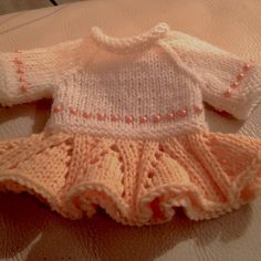http://www.ravelry.com/projects/wolbol28/a-simple-sweater-3-ways