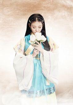 I think I need an IU board Iu Moon Lovers, Moon Lovers Drama, Korean Girl, Asian Girl, Scarlet Heart Ryeo, Kdrama, Korean Hanbok, Beautiful Costumes, Korean Celebrities