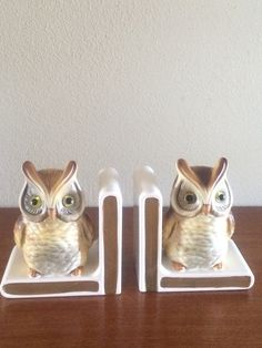 Vintage Owl Bookends Woodland Decor Lefton Office Bookshelf Owls  These vintage bookends are a hoot! Made of ceramic with a shiny and matte paint glaze, the bookends feature owls sitting on and leaning against books. The owls have glass eyes, their feathers are painted in shades of brown and tan and the bookends have green paper bottoms. Dimensions 5 long x 3 wide x 6 high - each  Shipping: All packages are insured and you are supplied with a tracking number. Purchase We want our customers…