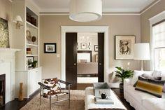 Wohnzimmer Farbe beige Schokoladenbraun hell gemütlich