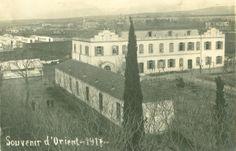Η μονή Καλογραιών και πίσω της στο βάθος ο μιναρές του τζαμιού, 1917. (Αρχείο Γιάννη Μέγα)