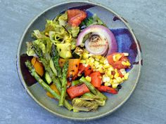 The light charring adds an extra layer of flavor to these delicious veggies while the balsamic vinaigrette imparts bright notes. Grilled Vegetable Salads, Grilled Vegetables, Vegetable Dishes, Vegetable Recipes, Grilling Recipes, Vegetarian, Stuffed Peppers, Memphis