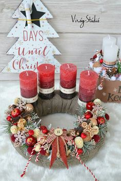 Christmas Advent Wreath, Xmas Wreaths, Christmas Love, Winter Christmas, Bright Christmas Decorations, Holiday Crafts, Ideas, Flower Arrangements, Making Candles