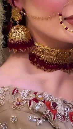 Indian Bridal Photos, Indian Bridal Makeup, Indian Bridal Wear, Desi Wedding Dresses, Designer Wedding Dresses, Bridal Dresses, Pakistani Bridal Jewelry, Bridal Chuda, Bridal Lehenga Collection