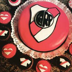River Plate torta y cupcakes