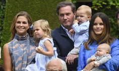 Sweden's royal babies delight in annual summer family portrait