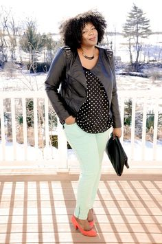 Love this look! http://stylishwife.com/2013/07/plus-size-outfits-and-ideas.html