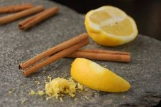 Cinnamon and lemon are very well known for their health benefits. Cinnamon has blood sugar controlling ability, has antimicrobial properties, anti-cancer power, IBS (irritable bowel syndrome) reducing capability and many others. Raw Vegan Recipes, Vegan Gluten Free, Cinnamon Benefits, Slow Metabolism, Raw Cake, Coffee Health Benefits, Morning Food, Healthy Kids, Beauty Secrets