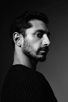Brie Larson, Riz Ahmed, Jamie Foxx, and Toronto Film Festival's other stars were photographed in Vanity Fair's studio by Peter Hapak. Most Beautiful Pictures, Beautiful Men, Beautiful People, Toronto Film Festival, International Film Festival, Big Star, Studio Portraits, Face Claims, Male Beauty