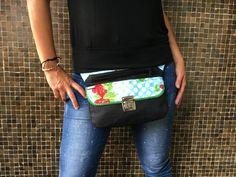 Exclusiva riñonera  bolso  bandolera Waterproof Cheeries por CAOMKA