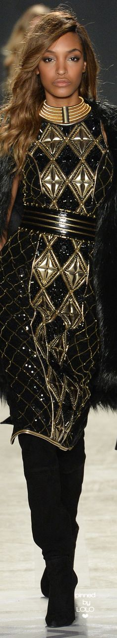 Balmain x H&M Collaboration Collection 2015 Black & Gold Embellished Beaded Dress & Belt Gold Fashion, Leather Fashion, Runway Fashion, Fashion Models, High Fashion, Fashion Show, Womens Fashion, Luxury Fashion, H&m Collaboration